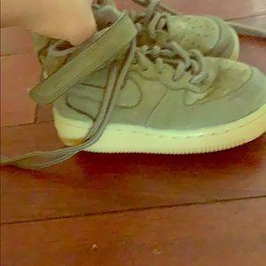 Nike shoes kids size 7